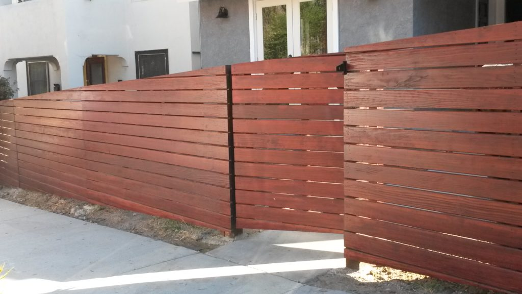 4 Tall Sloping Horizontal Front Yard Fence Amp Pedestrian